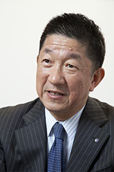 専務取締役 柘植 勝介